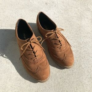 Indigo Rd. Camel Brown Faux Suede Lace Up Oxfords